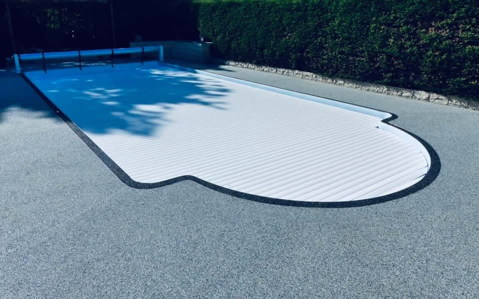 Exemple de plage de piscine